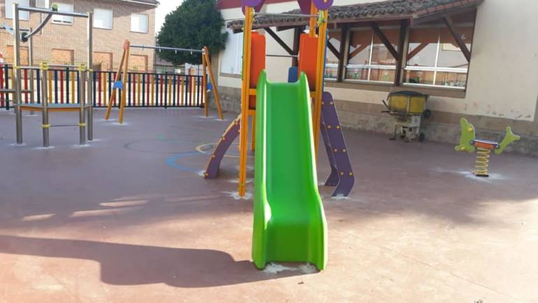 El Raso estrenará parque infantil en las instalaciones del CRA La Vetonia